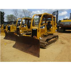 2004 CAT D5GXL CRAWLER TRACTOR, VIN/SN:WGB00819 - 6 WAY BLADE, CANOPY, SWEEPS, REAR SCREEN, METER RE