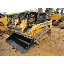 2006 JOHN DEERE CT322 SKID STEER LOADER, VIN/SN:126380 - CRAWLER, GP BUCKET, QUICK COUPLER, TWO SPEE