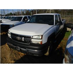 2007 CHEVROLET 2500 HD PICK UP, VIN/SN:1GCHK23D47F152913 - 4X4 CREW CAB, DURAMAX DIESEL ENGINE, A/T,