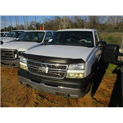 2005 CHEVROLET 2500 HD PICKUP, VIN/SN:1GCHC29U85E338347 - EXT CAB, V8 GAS ENGINE, A/T, ODOMETER READ