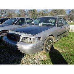 2004 FORD CROWN VICTORIA, VIN/SN:2FAHP71W24X171629 - V8 GAS ENGINE, A/T, ODOMETER READING 192,964 MI