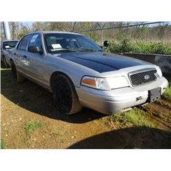 2007 FORD CROWN VICTORIA, VIN/SN:2FAHP71WX7X144988 - V8 GAS ENGINE, A/T, ODOMETER READING 206,533 MI