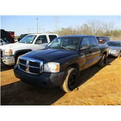 2005 DODGE DAKOTA PICK UP, VIN/SN:1D7HW28KX5S332385 - 4X4, CREW CAB, GAS ENGINE, A/T