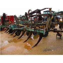 8 ROW BEDDING PLOW