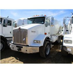 2009 KENWORTH T800 CONCRETE MIXER, VIN/SN:1NKDLF0X89J244266 - T/A, 350 HP CAT C9 DIESEL ENGINE, 8LL