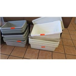 Lot of Plastic Dish Transport Trays/Tubs (Bus Boxes/Dish Boxes)