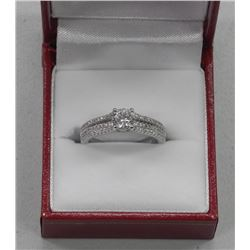 925 Sterling Silver Ring 1ct CZ Solitaire. Size 6.