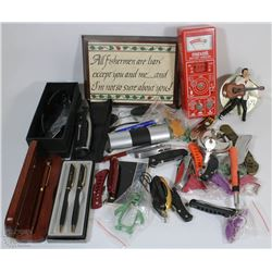 BOX WITH ASSORTED ITEMS INCL SUNGLASSES, MINI