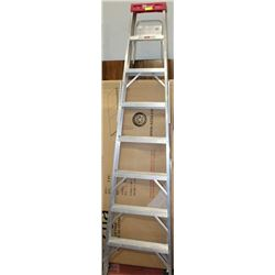 REYNOLDS 8 STEP ALUMINUM STEP LADDER