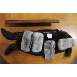 LOT OF FUR CUFFS