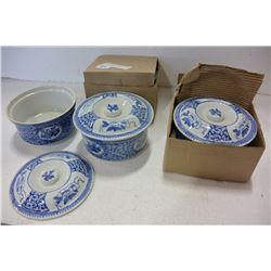 4 BLUE & WHITE PORCLEAN SERVING BOWLS W/ LIDS