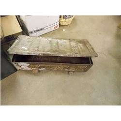 "VINTAGE METAL AMMO BOX- 25""x10.5""x6"" - ""2 SHELL 105mm ED HE L 31A3 IN CNRS 36 CY 2-69"" ""F2 L32A2= 40"