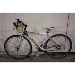 WHITE TREK ALPHA 18 SPEED RACING BIKE