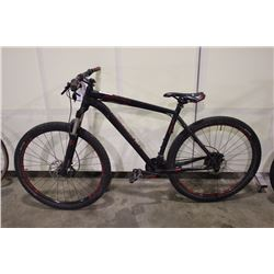 BLACK SPECIALIZED ROCKHOPPER PRO EVO 20 SPEED FRONT SUSPENSION MOUNTAIN BIKE WITH FULL DISC BRAKES