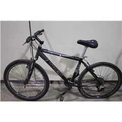 2 BIKES: BLACK TREK FRONT SUSPENSION MOUNTAIN BIKE & GREY MONGOOSE FULL SUSPENSION MOUNTAIN BIKE