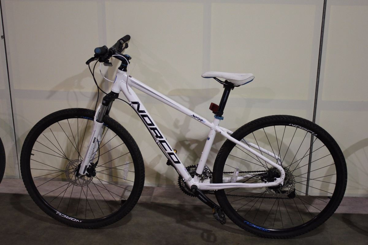 White Norco Xfr 24 Speed Front Suspension Mountain Bike With Full
