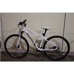 WHITE NORCO XFR 24 SPEED FRONT SUSPENSION MOUNTAIN BIKE WITH FULL DISC BRAKES