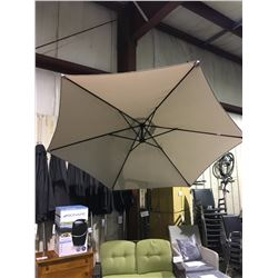 LARGE CANTILEVER PATIO UMBRELLA
