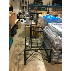 LOT OF ASSORTED PATIO FURNITURE