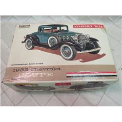 1932 Chevrolet Coupe Metal Model Kit Gabriel