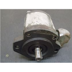 "Bosch Hydraulic Pump, 5/8"" Shaft"