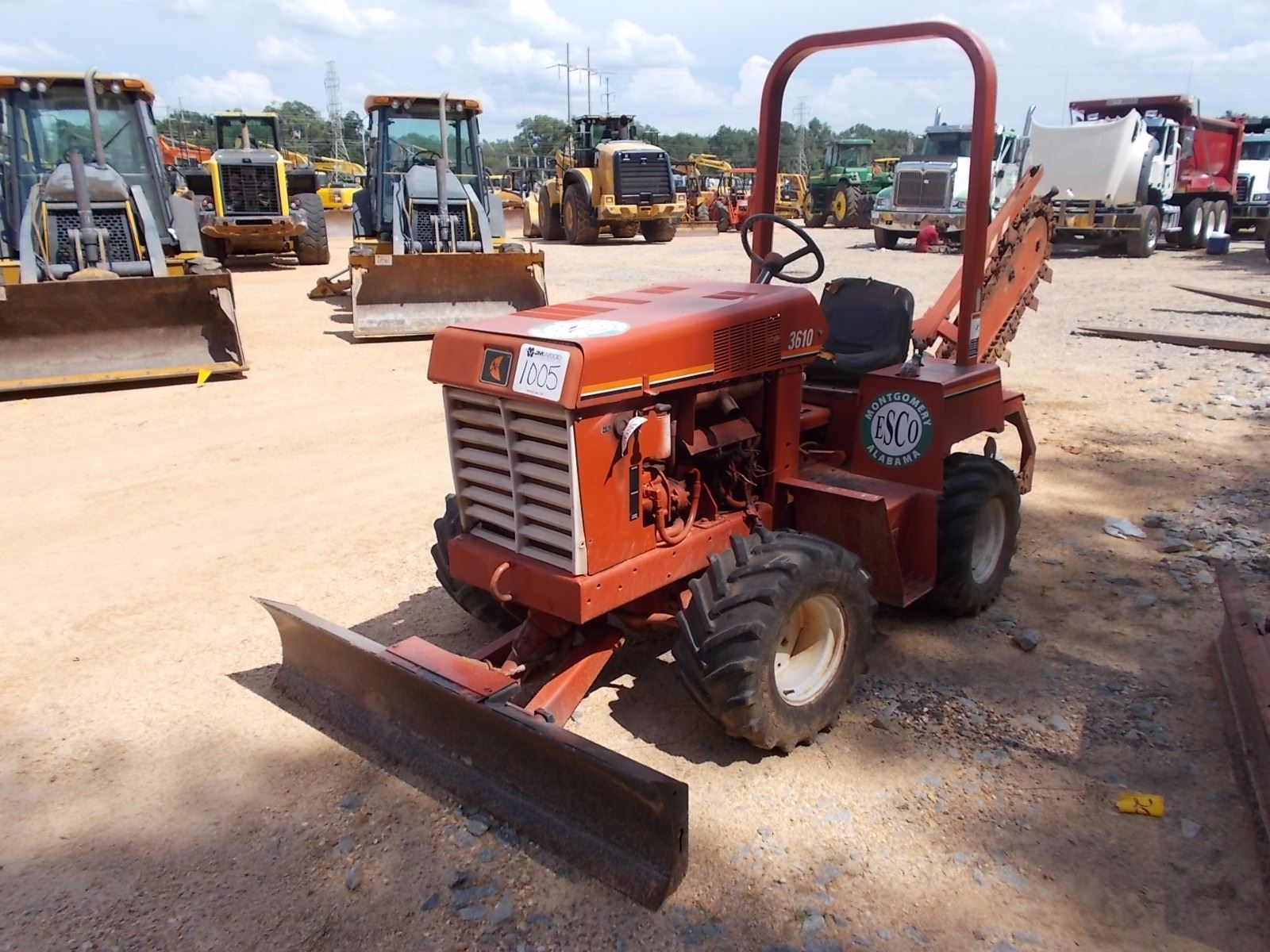 Image 1 : DITCH WITCH 3610 TRENCHER, VIN/SN:3N0521 - TRENCHER ATTACH ...