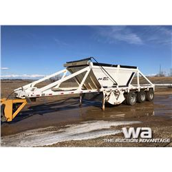 2005 CASTLETON TRIDEM GRAVEL TRAILER