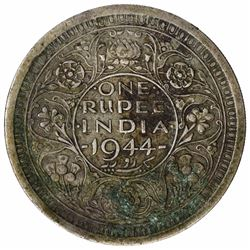 Error Silver One Rupee Coin of King George VI of 1944.
