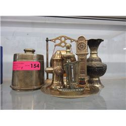 7 Brass figurines & decorative items