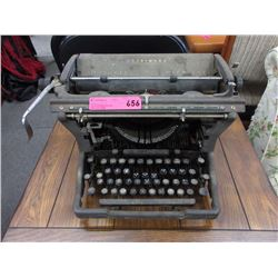 Vintage Underwood manual typewriter