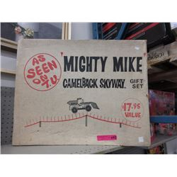 "Vintage ""Mighty Mike"" gift set"