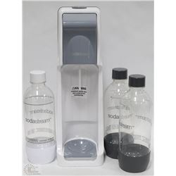 SODA STREAM  WITH CO2 CANISTER AND 3 BOTTLES