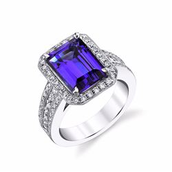 Dazzling Tanzanite & Diamond Ring Set in 18K Gold