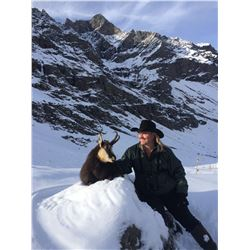 3-Day Alpine Chamois Hunt for Two Hunters in Italy - Includes Trophy Fees