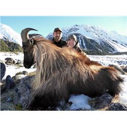 5-day New Zealand Red Stag and Tahr Hunt for Two Hunters