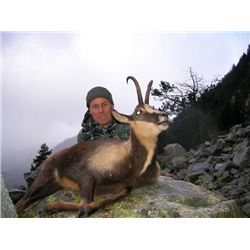 5-day Spain Roe Deer or Chamois Hunt for One Hunter and One Observer