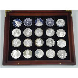 20x '925 sterling Silver' Proof Medallions with Artistic Design by Masters. Approx 800gr. Mahogany L