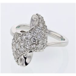 Antique Pave-set Diamond Ring in 18K White Gold - REF-173A9N