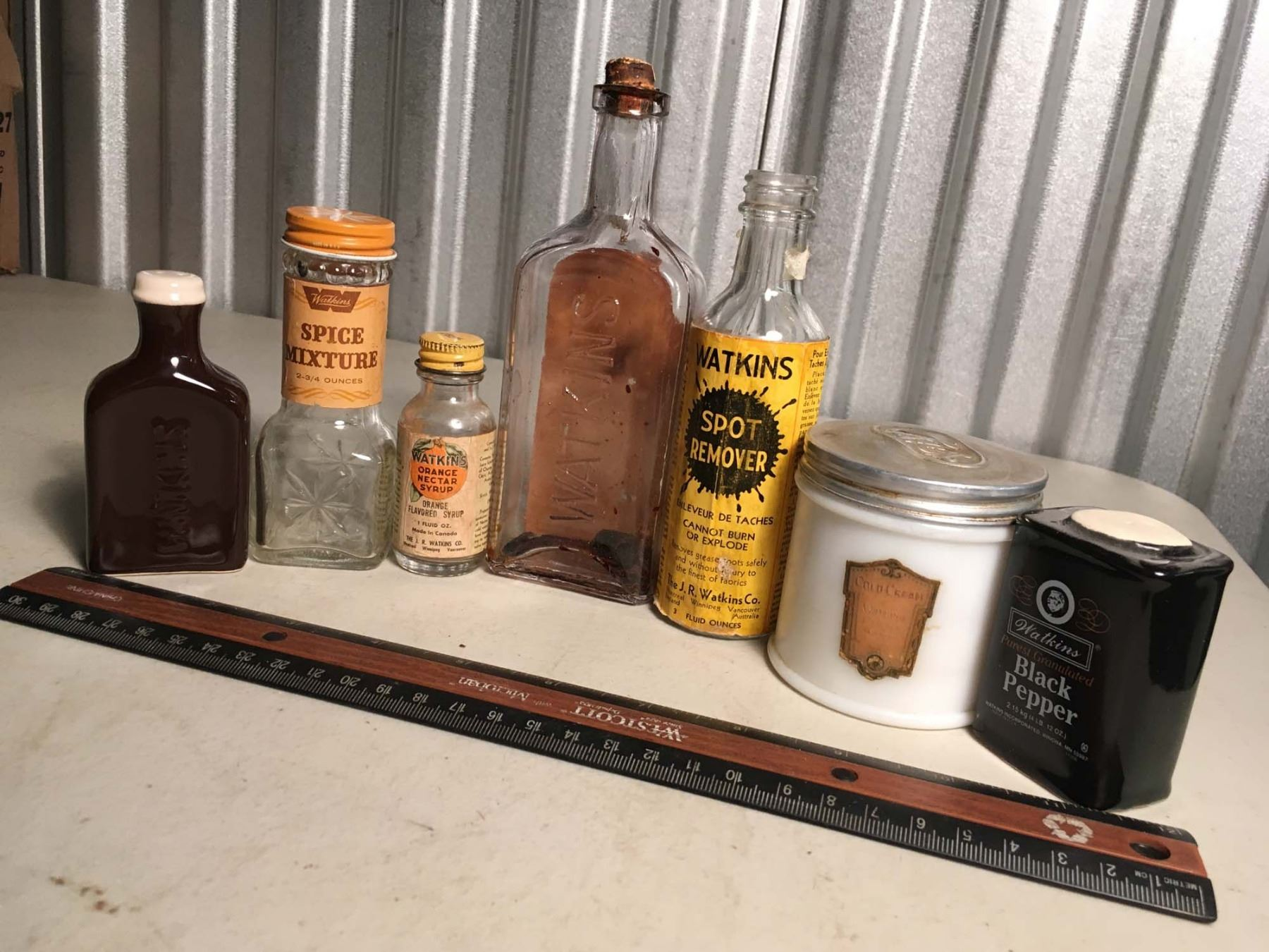 misc watkins glass containers spice mixture orange syrup. Black Bedroom Furniture Sets. Home Design Ideas