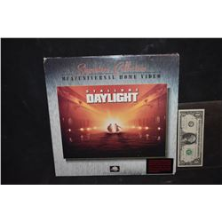 ZZ-CLEARANCE DAYLIGHT LASER DISC SIGNED BY DIRECTOR?