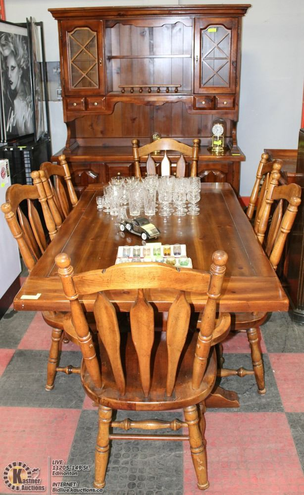 Serving table dining room