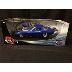 BRAND NEW 100% HOT WHEELS CAR CORVETTE