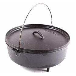 Camp-Chef No. 14 Cast Iron Footed Dutch Oven