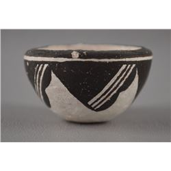 ACOMA POTTERY BOWL BY LUCY M LEWIS