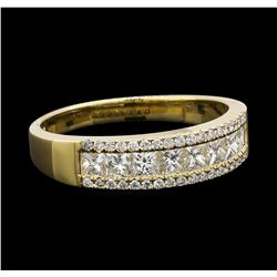 0.91 ctw Diamond Ring - 14KT Yellow Gold
