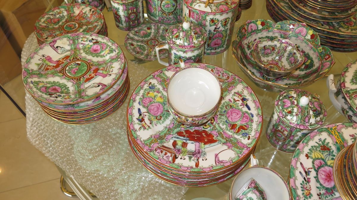 ... Image 3  Large Lot of Rose Medallion Dinnerware Serveware PlattersTeapots ... & Large Lot of Rose Medallion Dinnerware Serveware PlattersTeapots ...