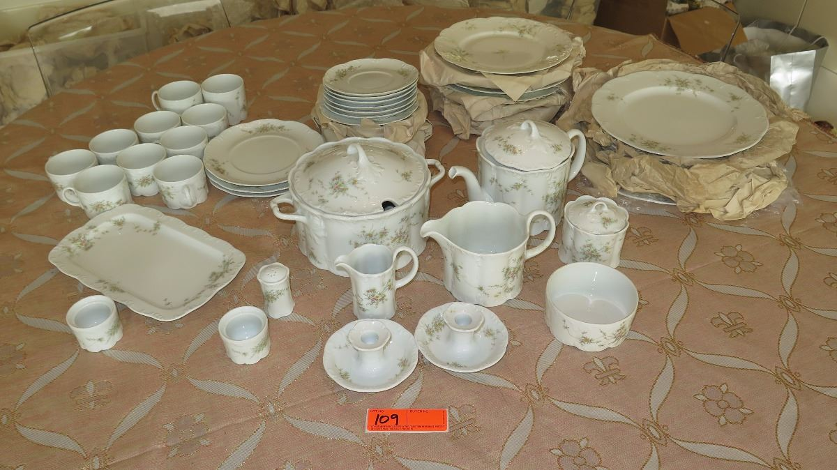 Classic Rose Scallop-Edged Rosenthal Fine China Dinnerware Set - Plates Serveware etc. : fine dinnerware sets - pezcame.com