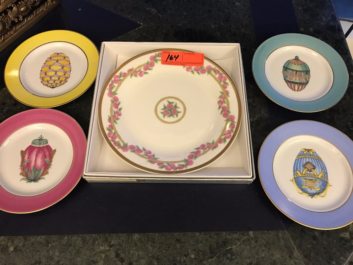 Image 1  New Christian Dior Floral/Gold-Band China 4 Limoges Porcelain ... & New Christian Dior Floral/Gold-Band China 4 Limoges Porcelain China ...