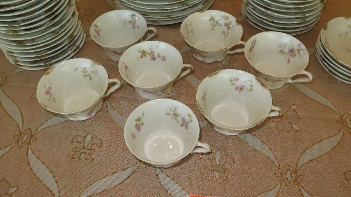 ... Image 2  Theodore Haviland Limoges Fine French China Plates Saucers Teacups ... & Theodore Haviland Limoges Fine French China: Plates Saucers ...