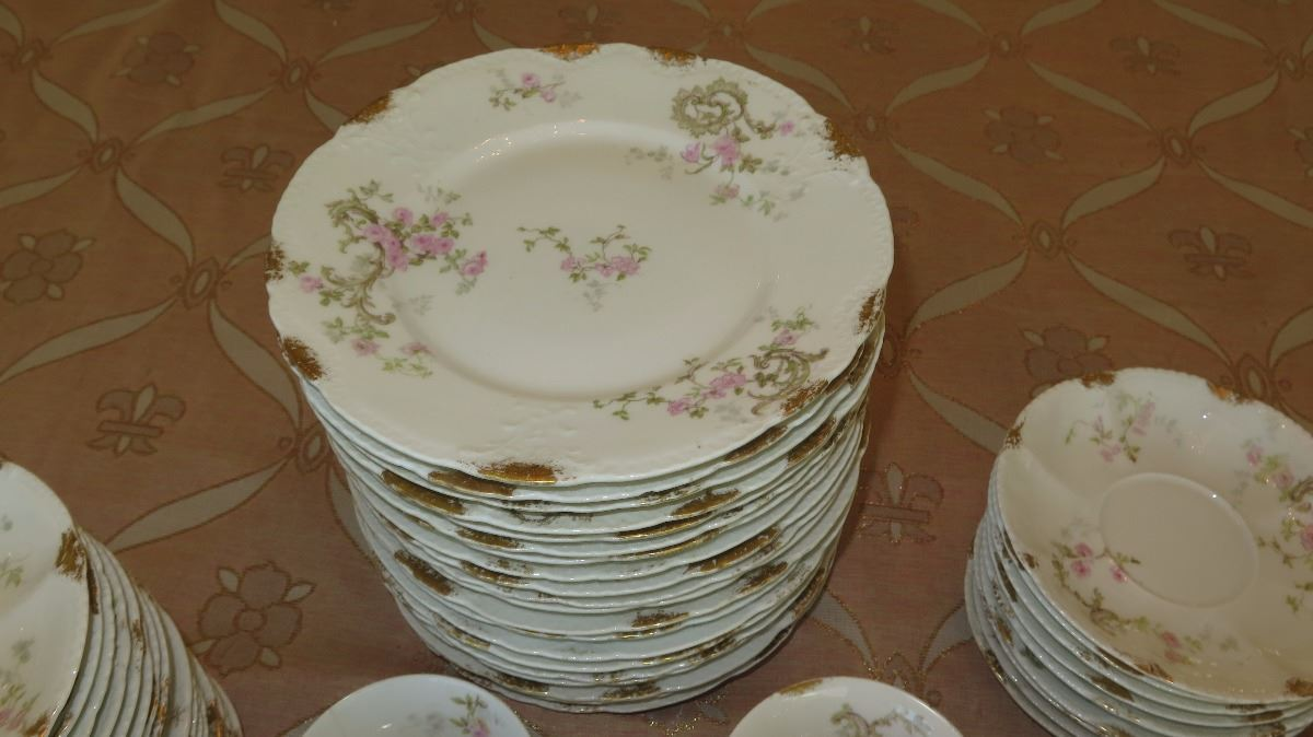 ... Image 3  Theodore Haviland Limoges Fine French China Plates Saucers Teacups ... & Theodore Haviland Limoges Fine French China: Plates Saucers ...